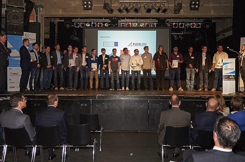 Gewinner und Finalisten des CyberChampions Award 2016.